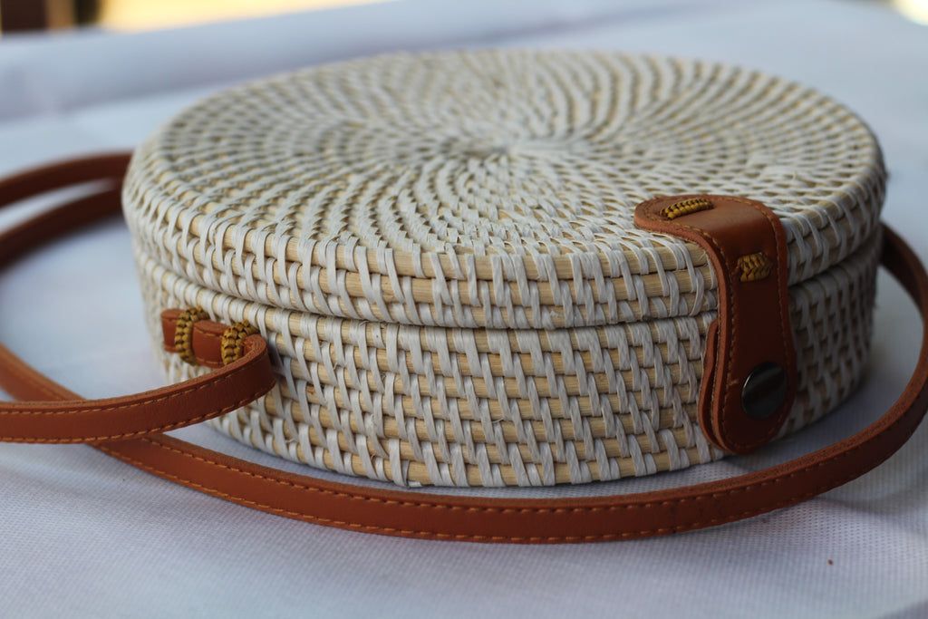 BAGWH- Handwoven Round Rattan Crossbody Bags for Women. White Color