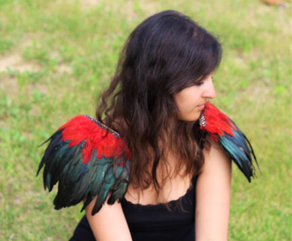 Shoulder Wings feathers:black and red feathers