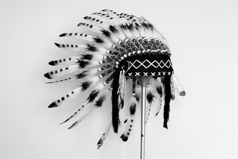 X08 Indian white and black Feather Headdress, Native American Style. Warbonnet