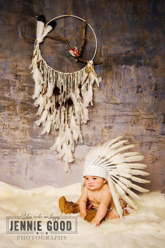 PRICE REDUCED - K18 For 0 to 9 months  Baby / Newborn : White Headdress for the little ones !