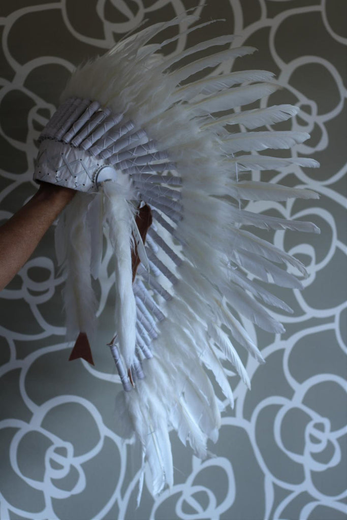 K13 From 5-8 years Kid / Child's: Long  white swan feather Headdress 21 inch. – 53,34 cm.