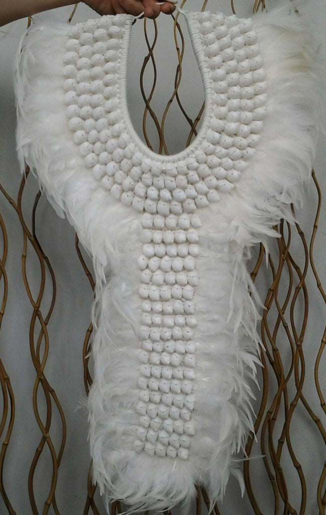 Stunning  Big Papua Native Warrior necklace Full white Feathers and shells