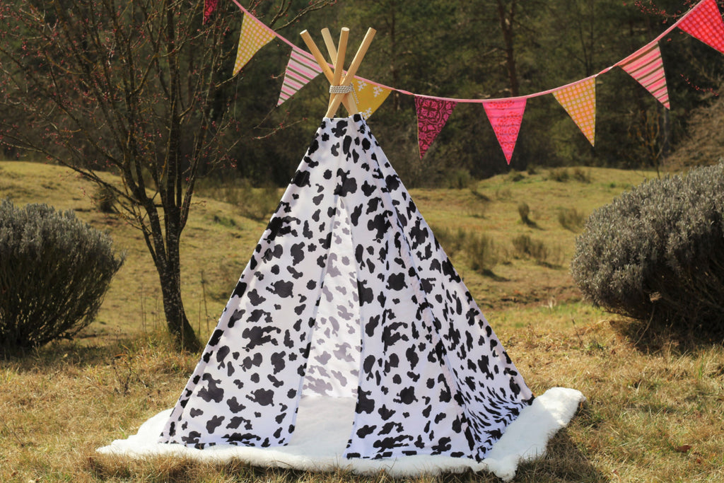 Teepee Tent Cow Motive . POLES NOT INCLUDED.