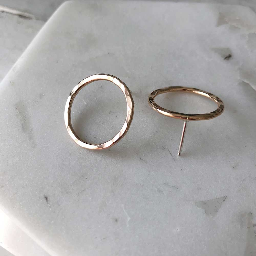 strut jewelry medium hammered circle stud earrings 14k gold fill