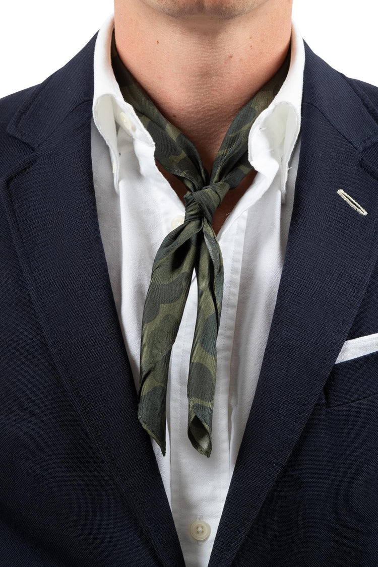 AN IVY Neckerchief The Kristian Haagen Collection