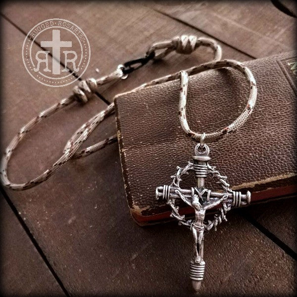 Rugged rosaries wwi combat rosaries catholic rosary beads crown of thorns parachute cord pendant crucifix mens paracord necklace aloadofball Images