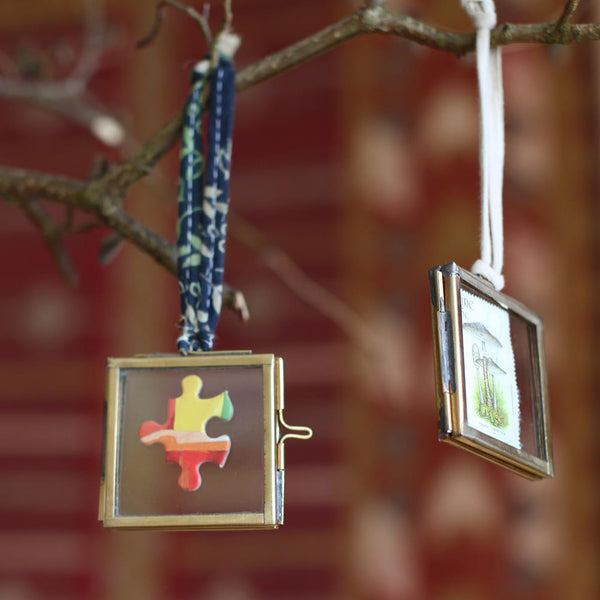 Zinc Recycled Metal & Glass Picture Frame Ornament - Hammers and Heels  - 2