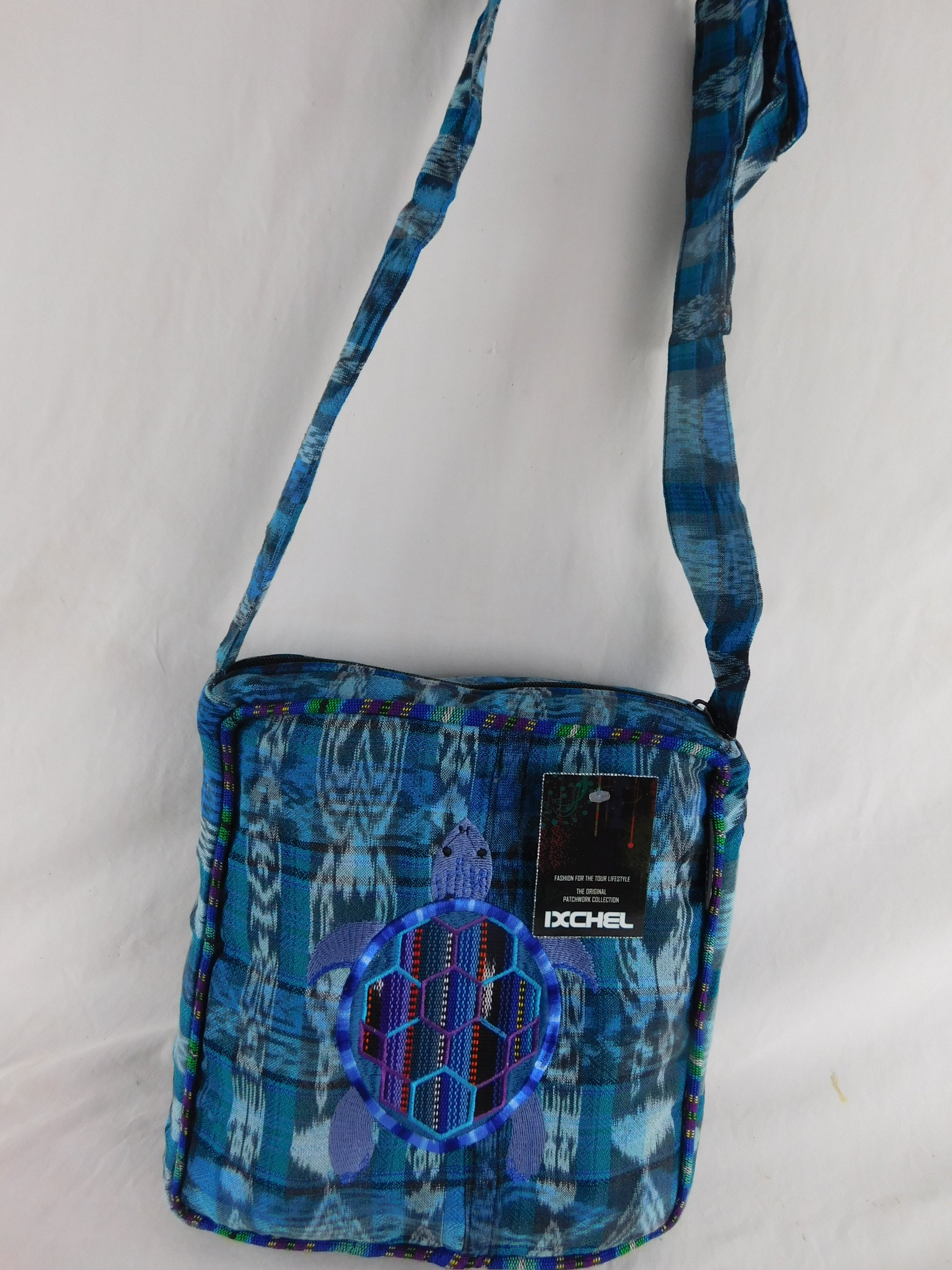 Hand-Woven Terrapin Bag  in native cotton