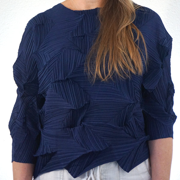 PLEATED SHIBORI TOP