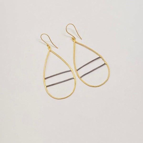 BARRED TEARDROP EARRINGS