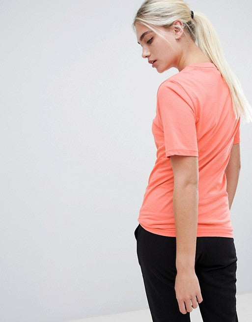NEW BALANCE T-SHIRT IN CORAL