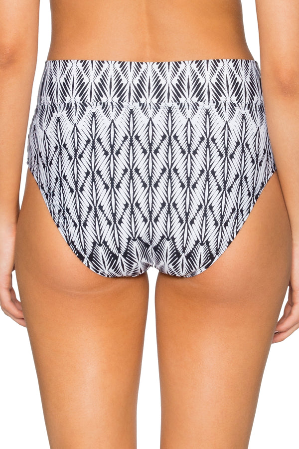 Sunsets Willow Summer Lovin V Front Bottom
