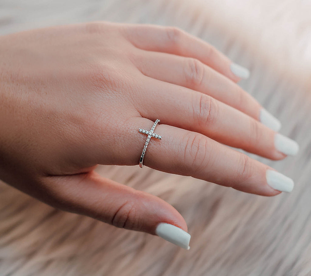 Cross Ring (Includes 27 Diamonds)