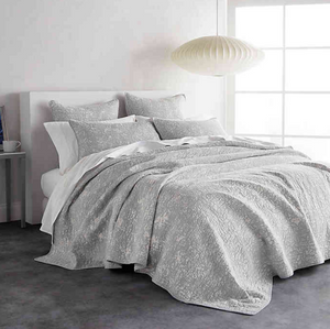 DKNY Sunwashed Reversible King Quilt in Grey