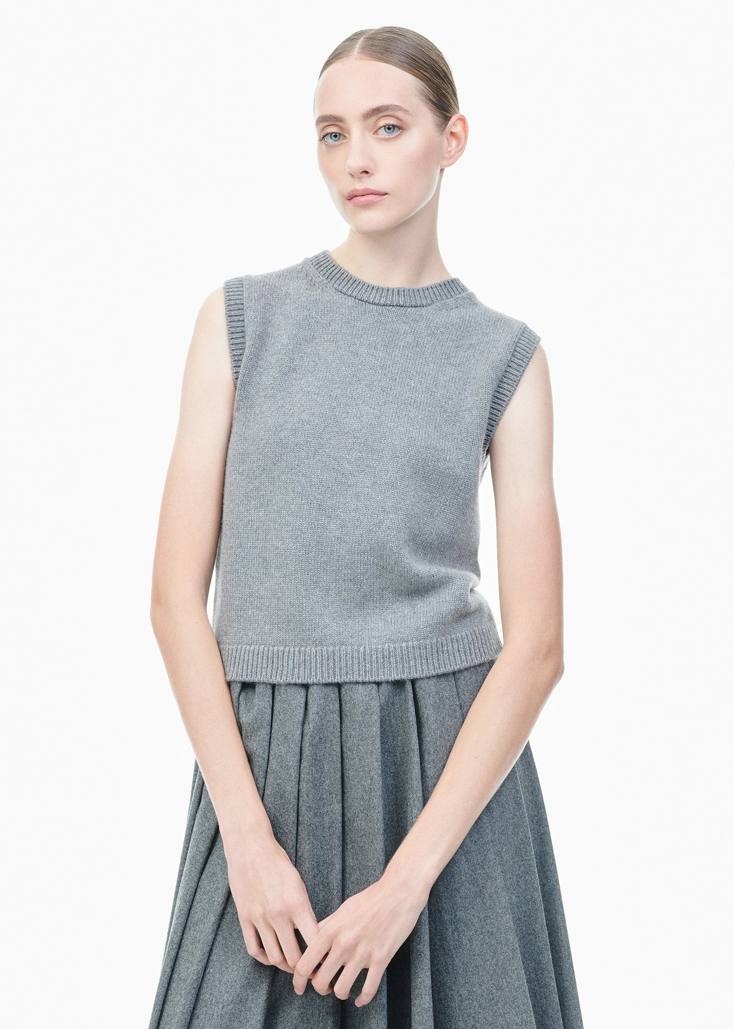 Sleeveless Cashmere Sweater Grey
