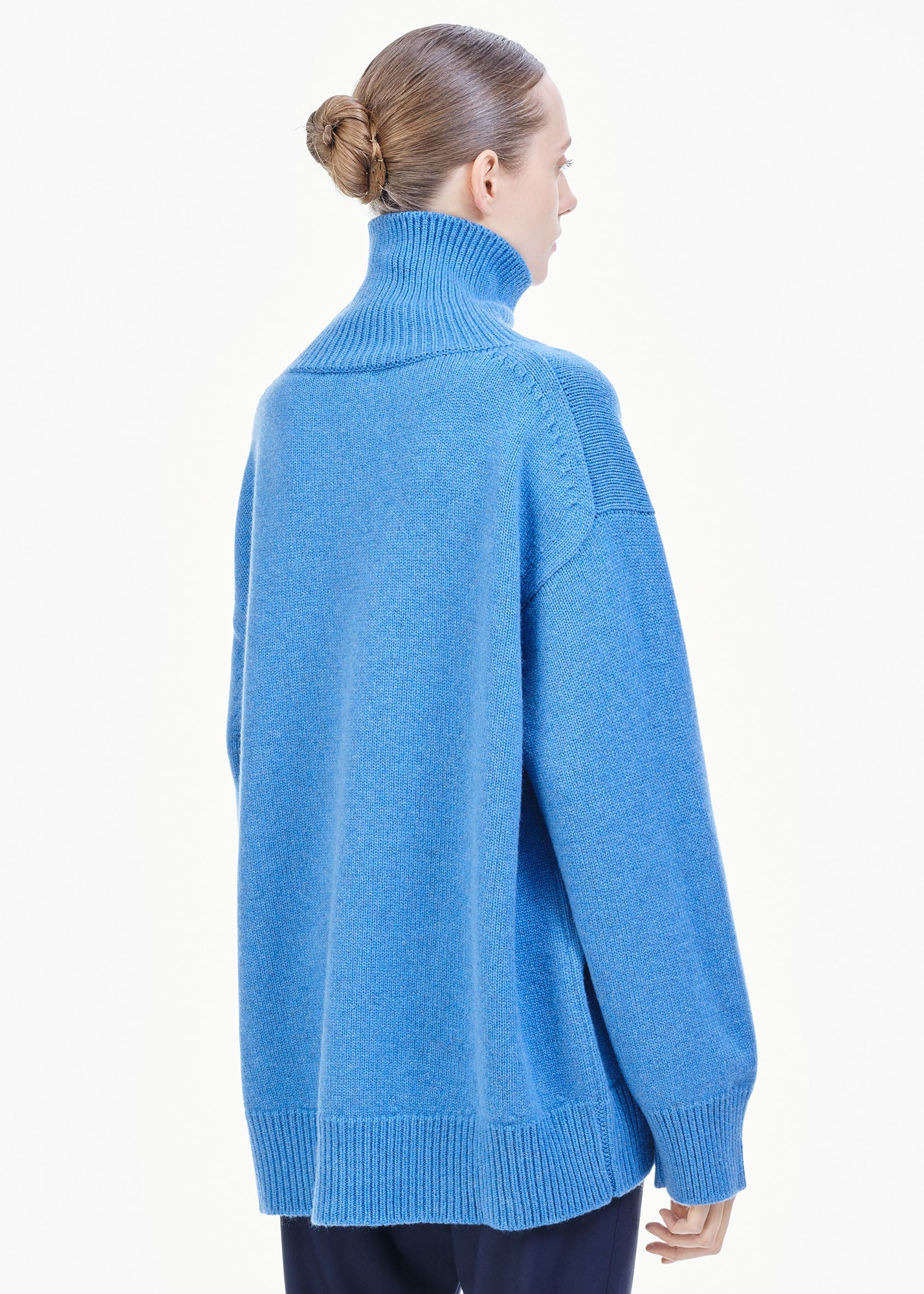 Oversized Cashmere Sweater Ocean Blue