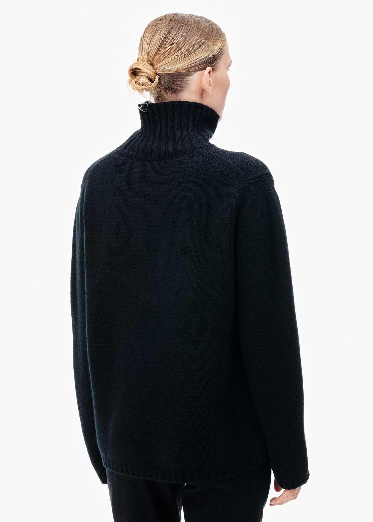 Roll Neck Cashmere Sweater Black