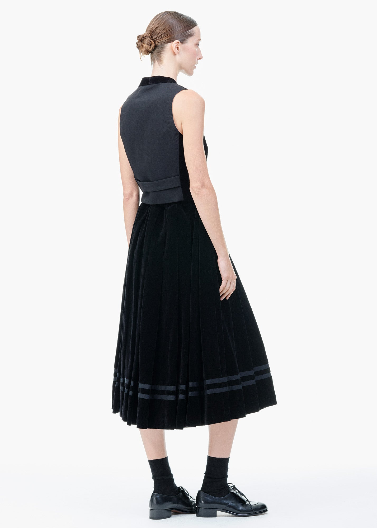 Pleated Skirt Black Velvet