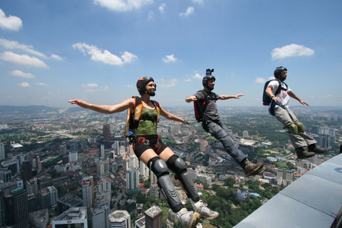 Base Jumping on X-Wear.com