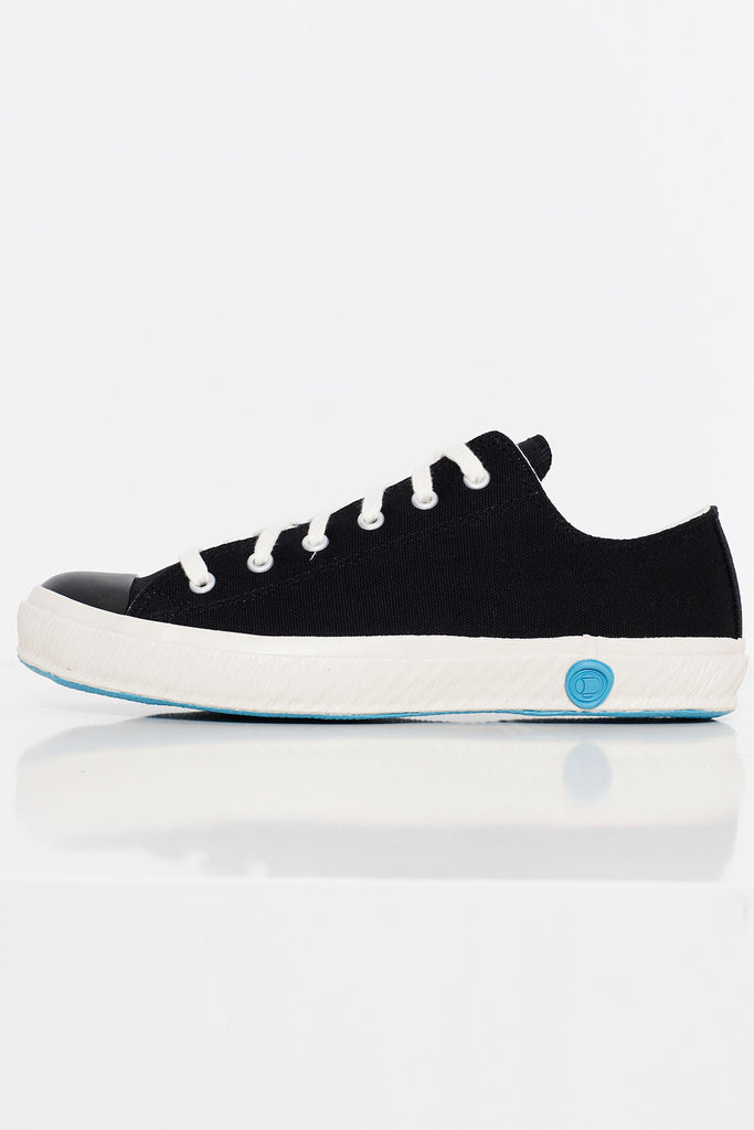 Low Canvas Sneaker - Black