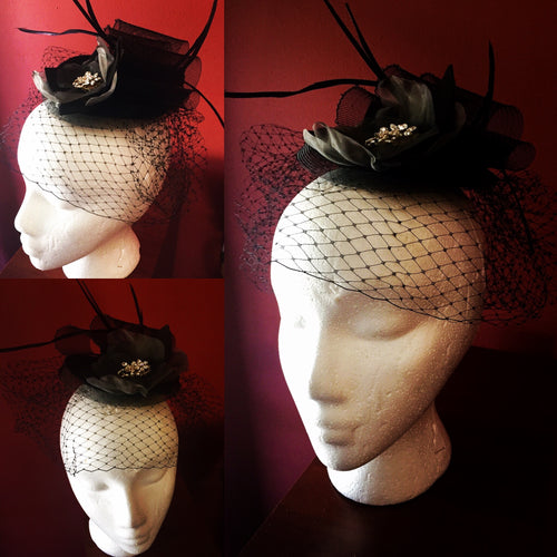 Black Russian tulle/horsehair fascinator with comb