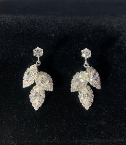 Zenobia silver leaf earrings