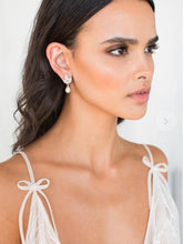 Load image into Gallery viewer, Jenai gold earrings