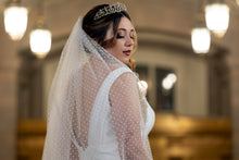 Load image into Gallery viewer, Dhibi Couture - Rosabella fingertip veil