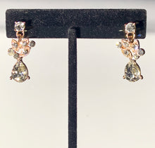 Load image into Gallery viewer, Julietta rose gold floral earrings