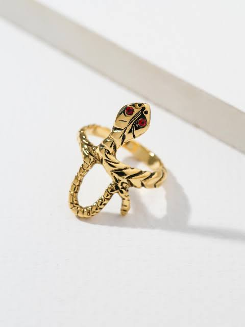 VANESSA MOONEY VIPER RING