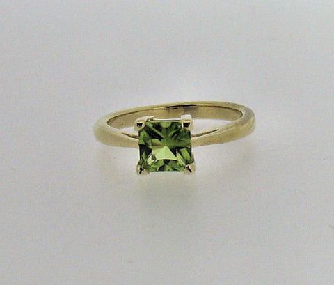 Peridot Gold Ring 41823