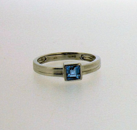 Blue Topaz 9ct White Gold Ring 42301