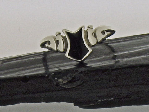 Whitby Jet & Silver Ring AR4-2
