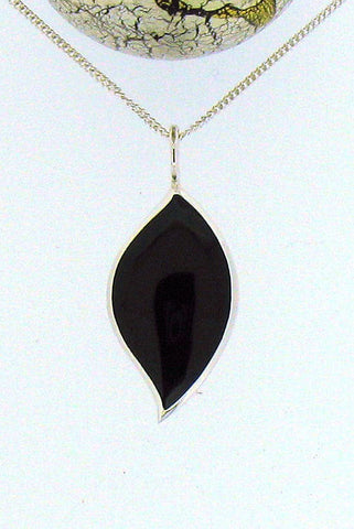 Whitby Jet & Silver Pendant 68418