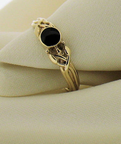 Whitby Jet and Gold Leaves and Stems Ring AR1 8