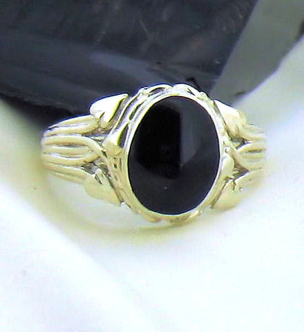 Whitby Jet & Silver Ring AR1-7