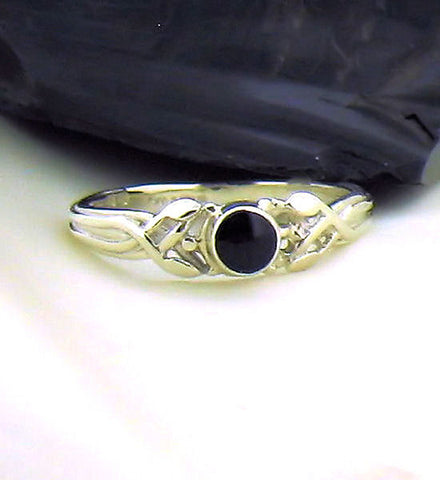 Whitby Jet & Silver Ring AR1-8