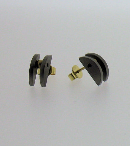 Titanium and 18ct Gold Stud Earrings K2386T