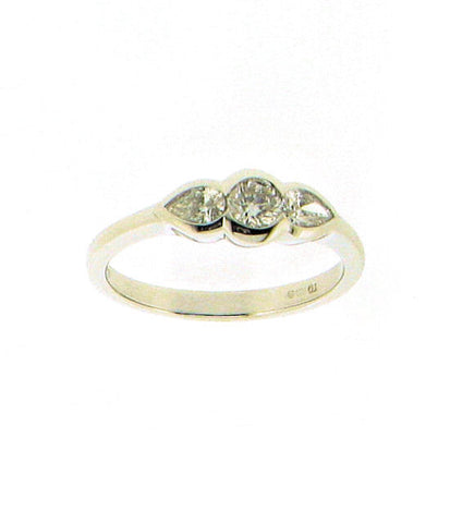 Diamond and 18ct White Gold Ring R149