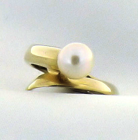 Pearl (Akoya) Gold Ring R444