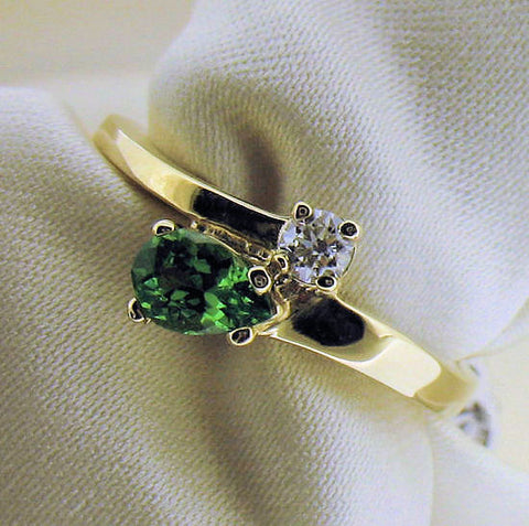Green Garnet (Tsavorite) & Diamond Ring R722