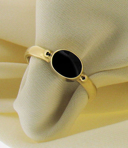 Whitby Jet and 9ct Gold Oval Ring WJR3