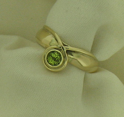 Peridot Gold Ring Y0 PER