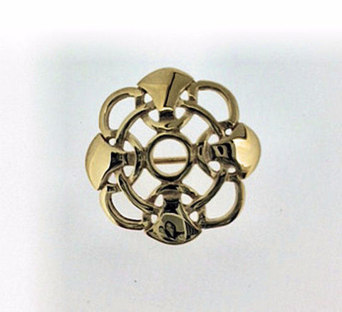 Octofoil Gold Brooch AB029