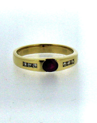 Ruby & Diamond Ring R208