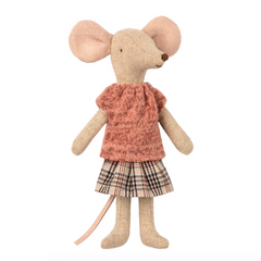 Clothes for Mom Mouse