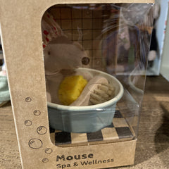 Mouse Spa & Wellness in Tub