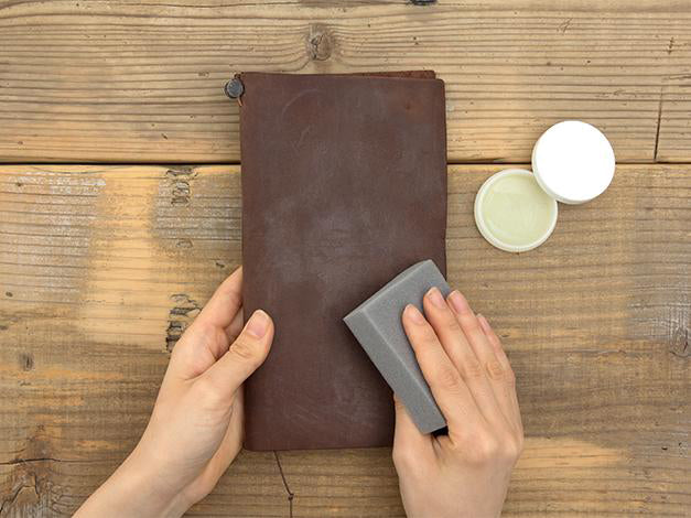 Traveler's Notebook: Leather Maintenance