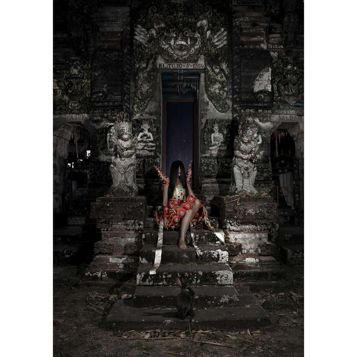 Alice in Temple, Lightbox photography by Basilè Matteo - Fp Art Online