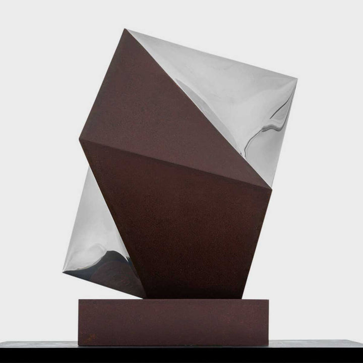 Simetrìa, Steel and corten steel sculpture by Vélez Gustavo - Fp Art Online